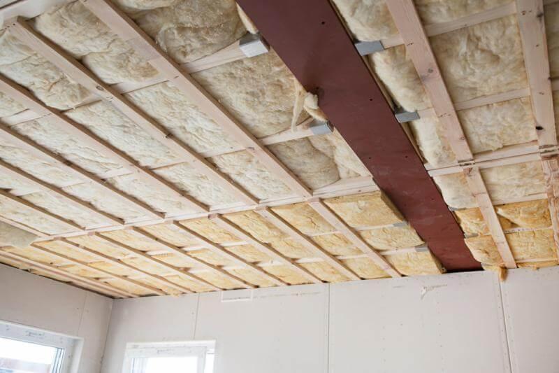 Pourquoi mettre de la laine de verre sous votre toit